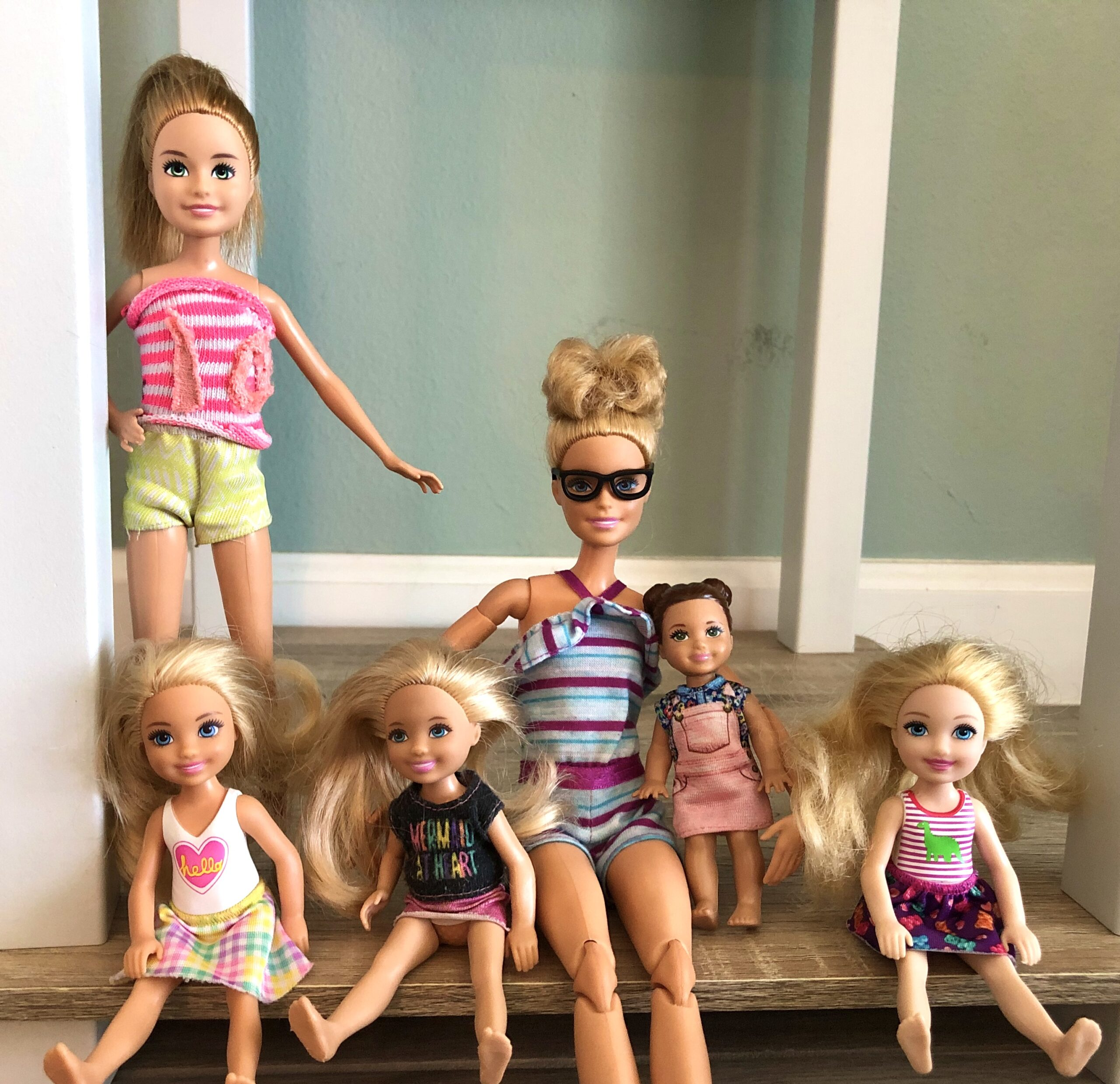 Picture of 6 dolls for the Barbie Life Story. They're called the Kramer Family.