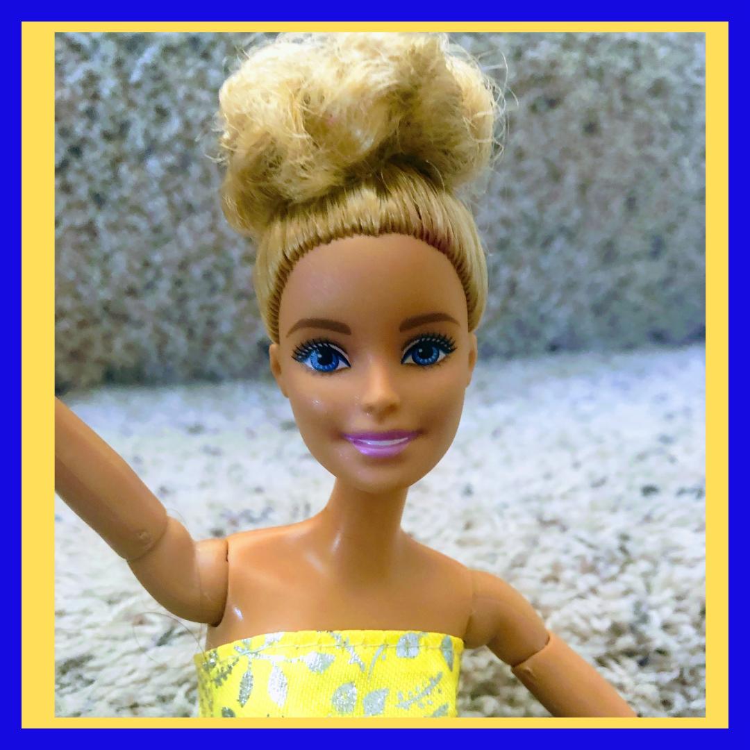 Barbie Doll Selfie